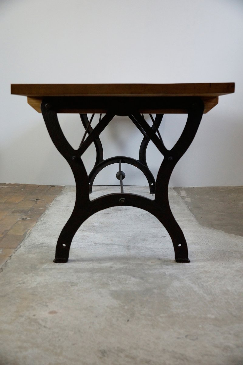 Table de salle manger vintage industrielle en vente sur for Table de salle a manger vintage