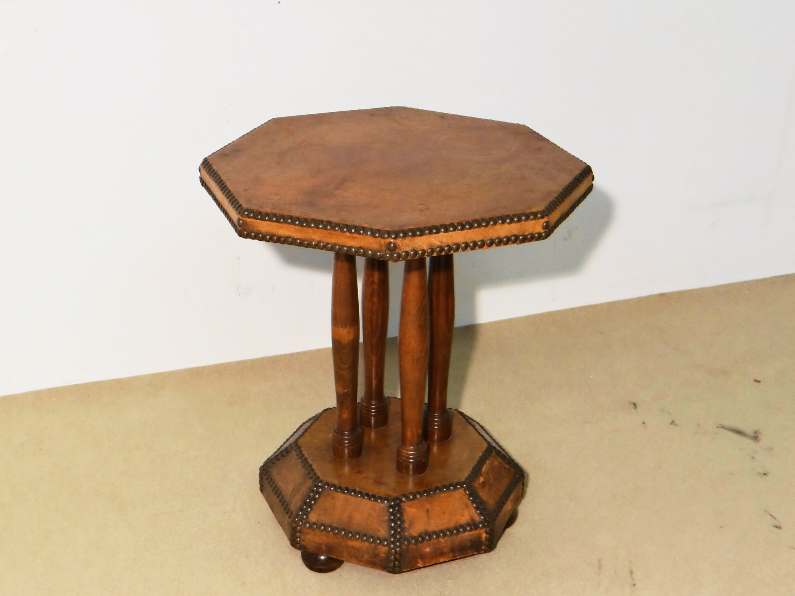 Vintage french leather octagon side table for sale at pamono