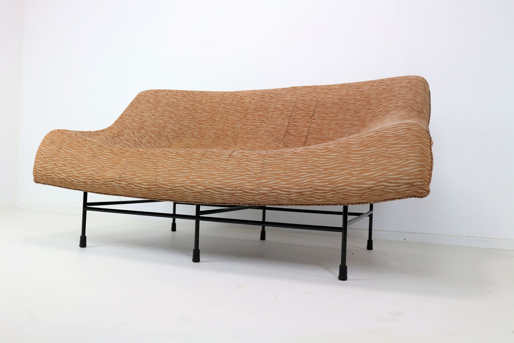 Butterfly sofa von gerard van den berg f r montis 1979 bei pamono kaufen - Sofa van de hoek uitstekende ...