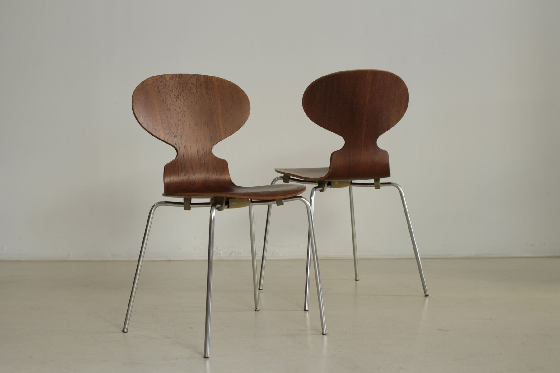 3101 chairs by arne jacobsen for fritz hansen 1973 set for Arne jacobsen chaise fourmi