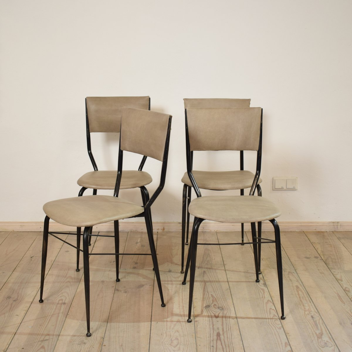 Mid century italian dining chairs set of for sale at pamono