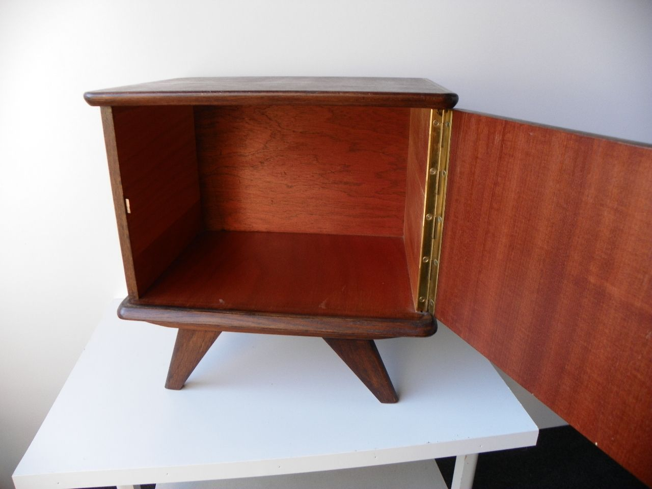 Vintage Nightstands Set of 2 for sale at Pamono