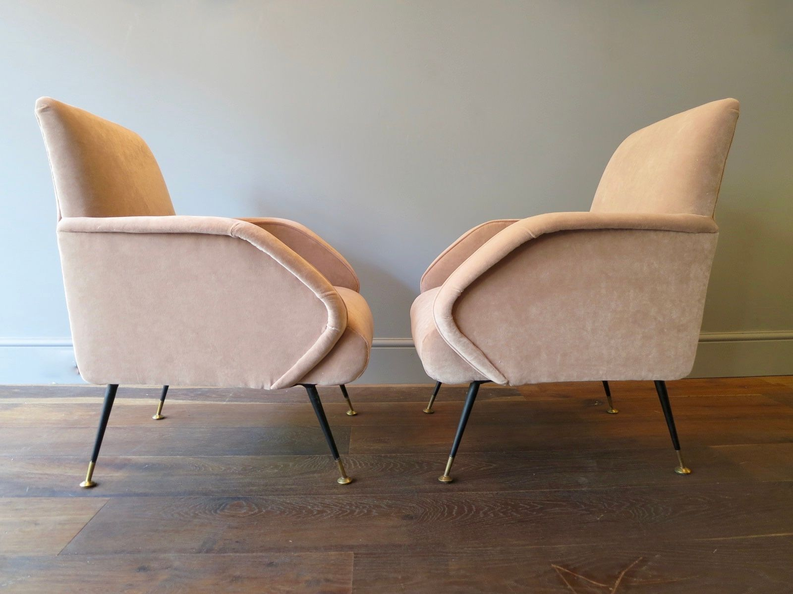 Italian Vintage Pale Pink Velvet Armchairs Set of 2 for sale at