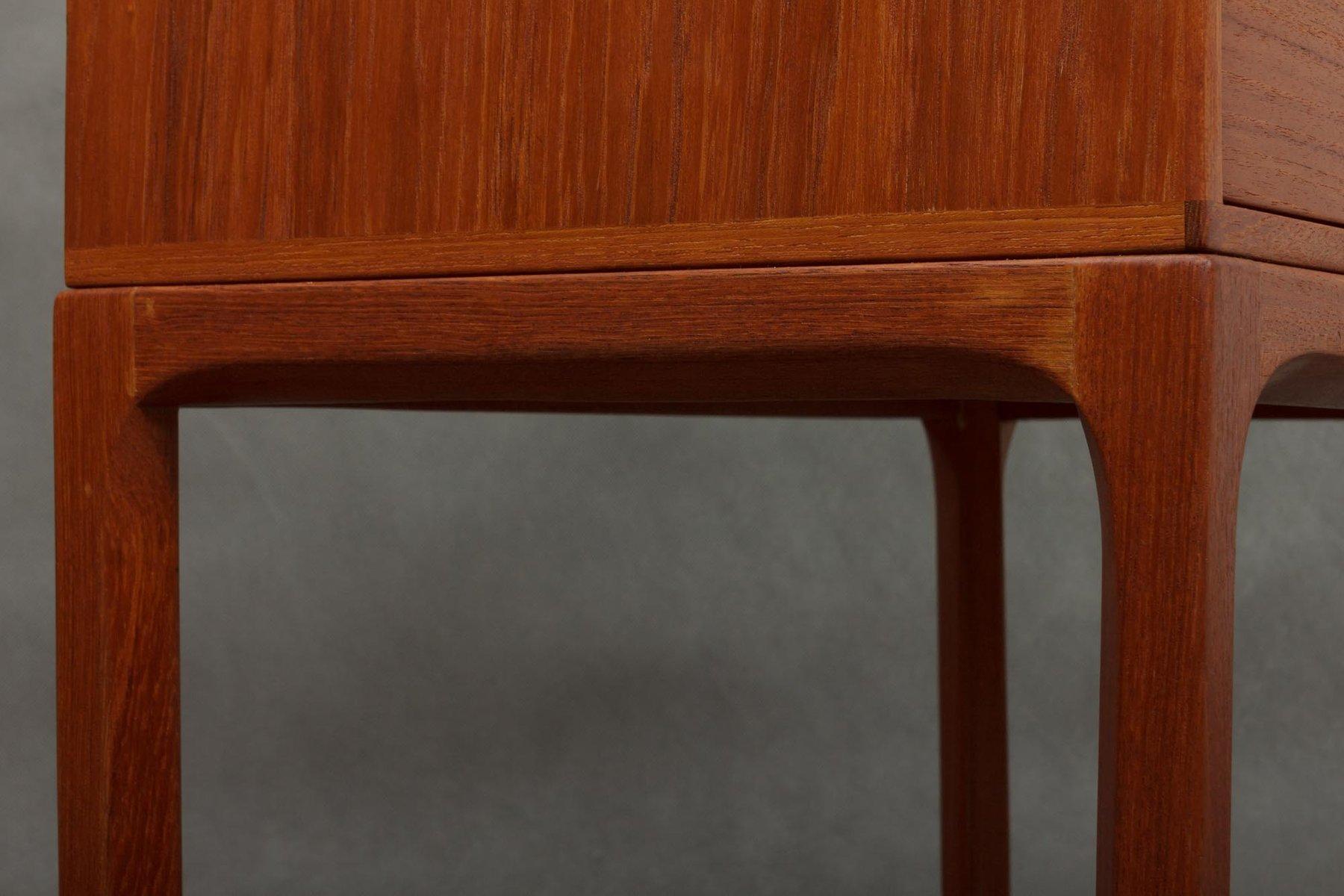 spiegel kleine kommode aus teak von aksel kjersgaard f r. Black Bedroom Furniture Sets. Home Design Ideas