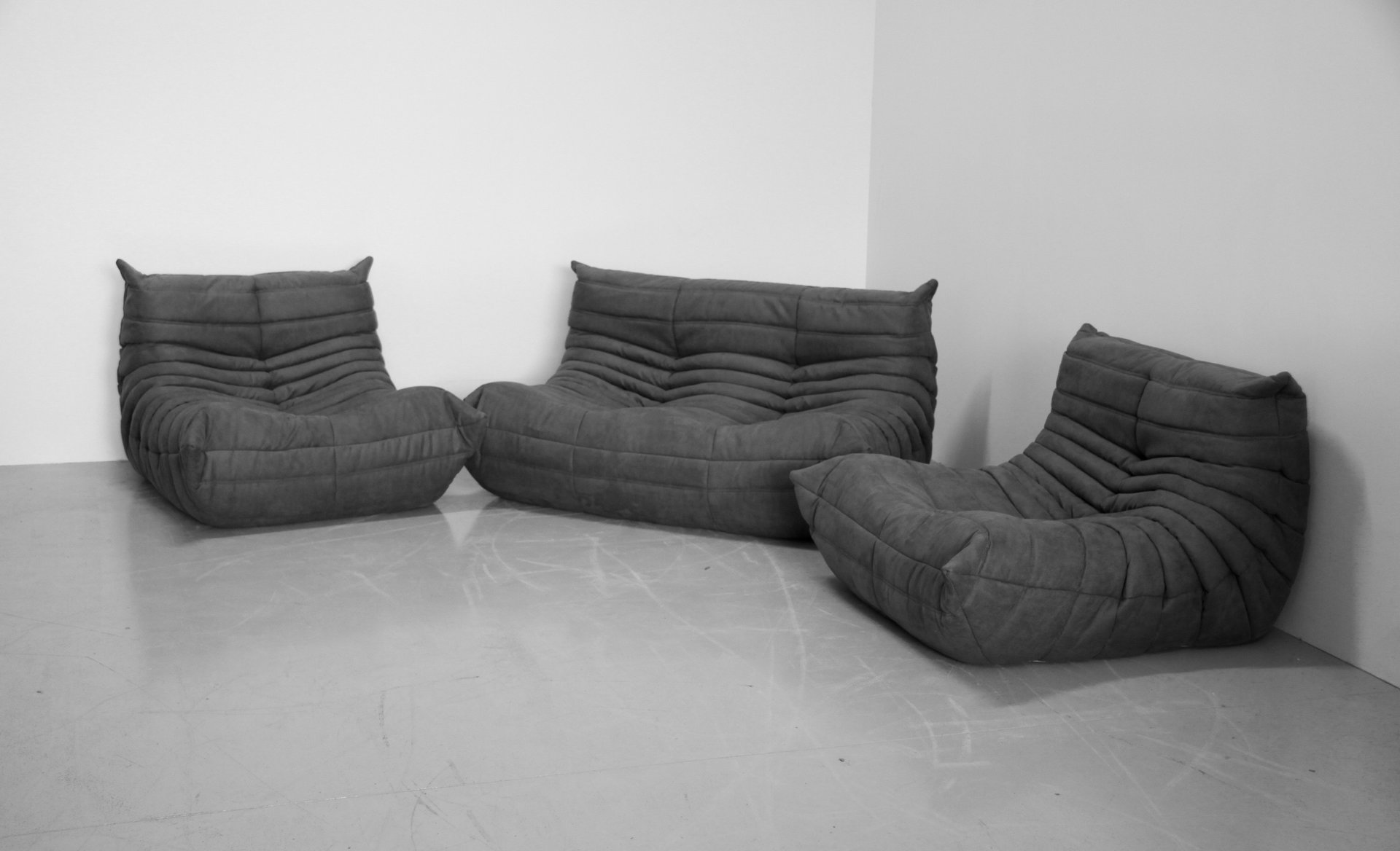 grey microfibre togo sofa set by michel ducaroy for ligne roset 1970s set of 3 for sale at pamono. Black Bedroom Furniture Sets. Home Design Ideas