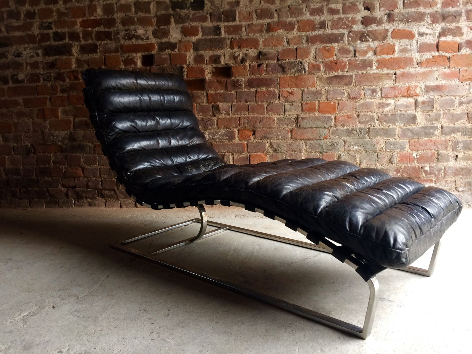 Vintage mid century leather chaise lounge from oviedo for for Bellagio leather chaise lounge
