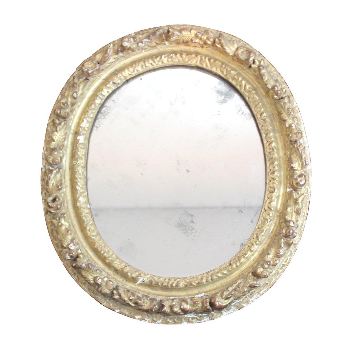 antiker spiegel mit rahmen aus geschnitzem holz mit stuck. Black Bedroom Furniture Sets. Home Design Ideas
