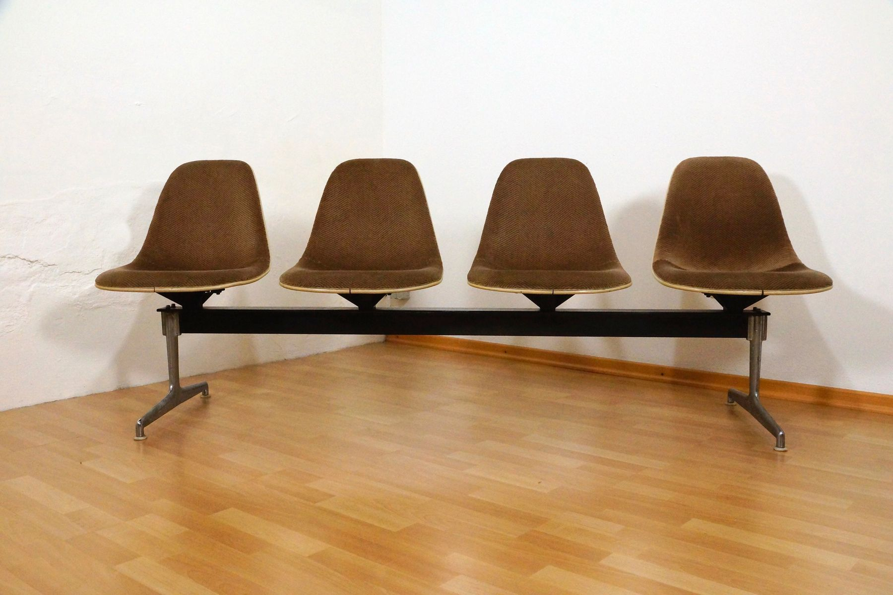 Tandem Bench By Charles Ray Eames For Herman Miller 1964 For Sale At Pamono