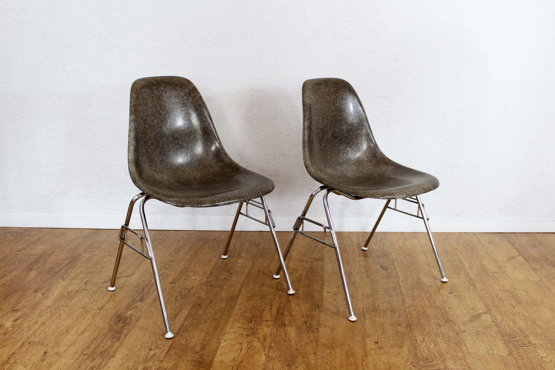 Mid Century Model DSS Chair by Charles & Ray Eames for Herman