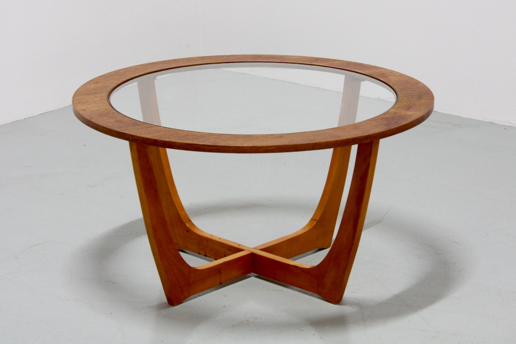 Vintage Round Coffee Table for sale at Pamono