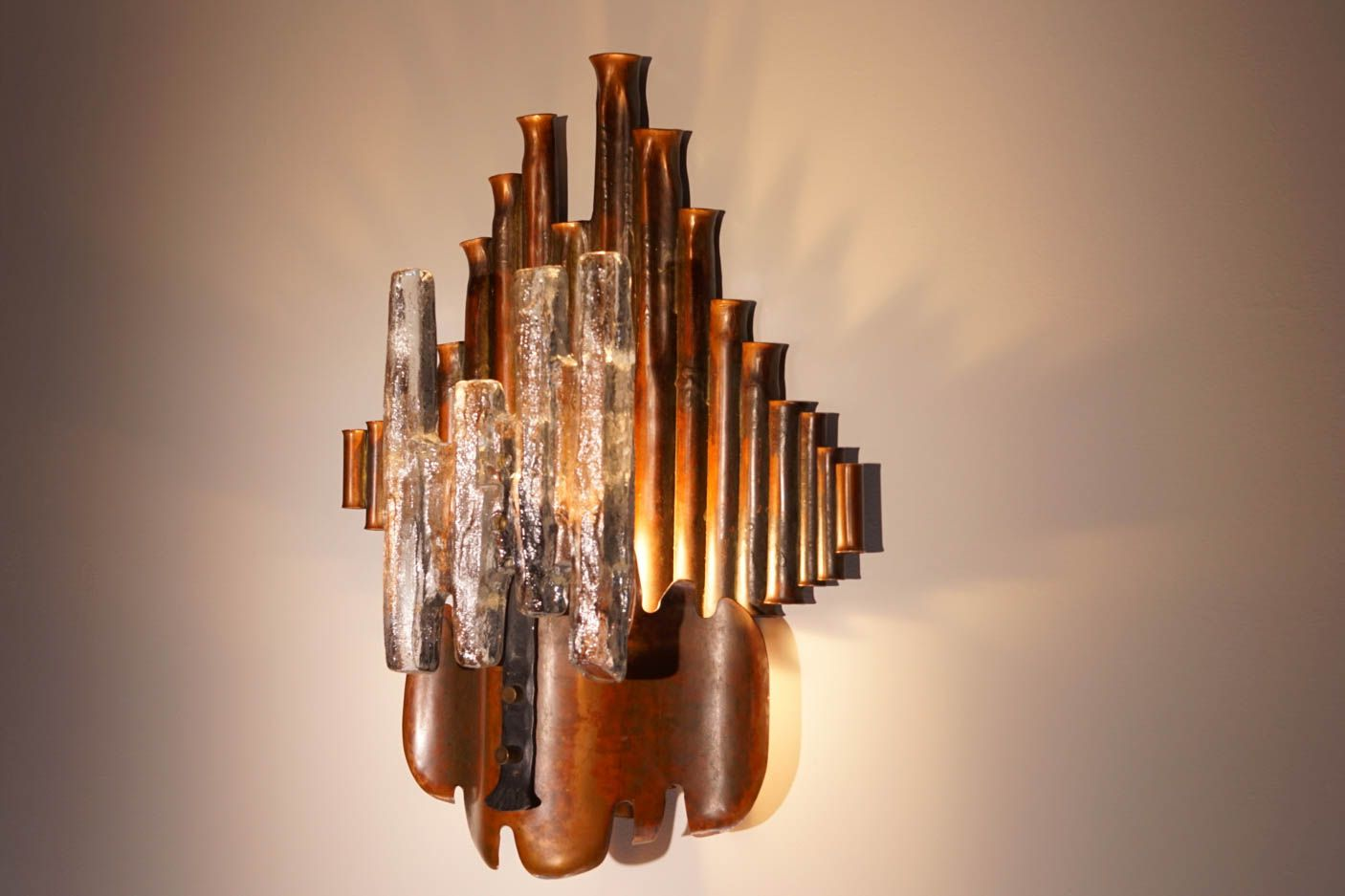 brutalistische wandlampe aus kupfer 1970er bei pamono kaufen. Black Bedroom Furniture Sets. Home Design Ideas
