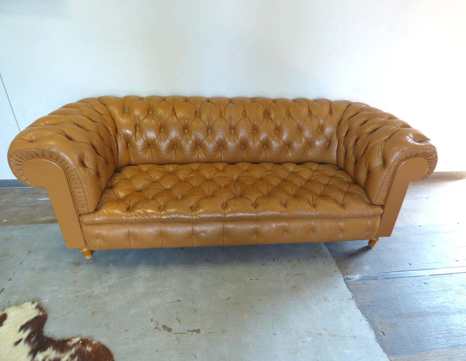 vintage chesterfield style sofa for sale at pamono. Black Bedroom Furniture Sets. Home Design Ideas