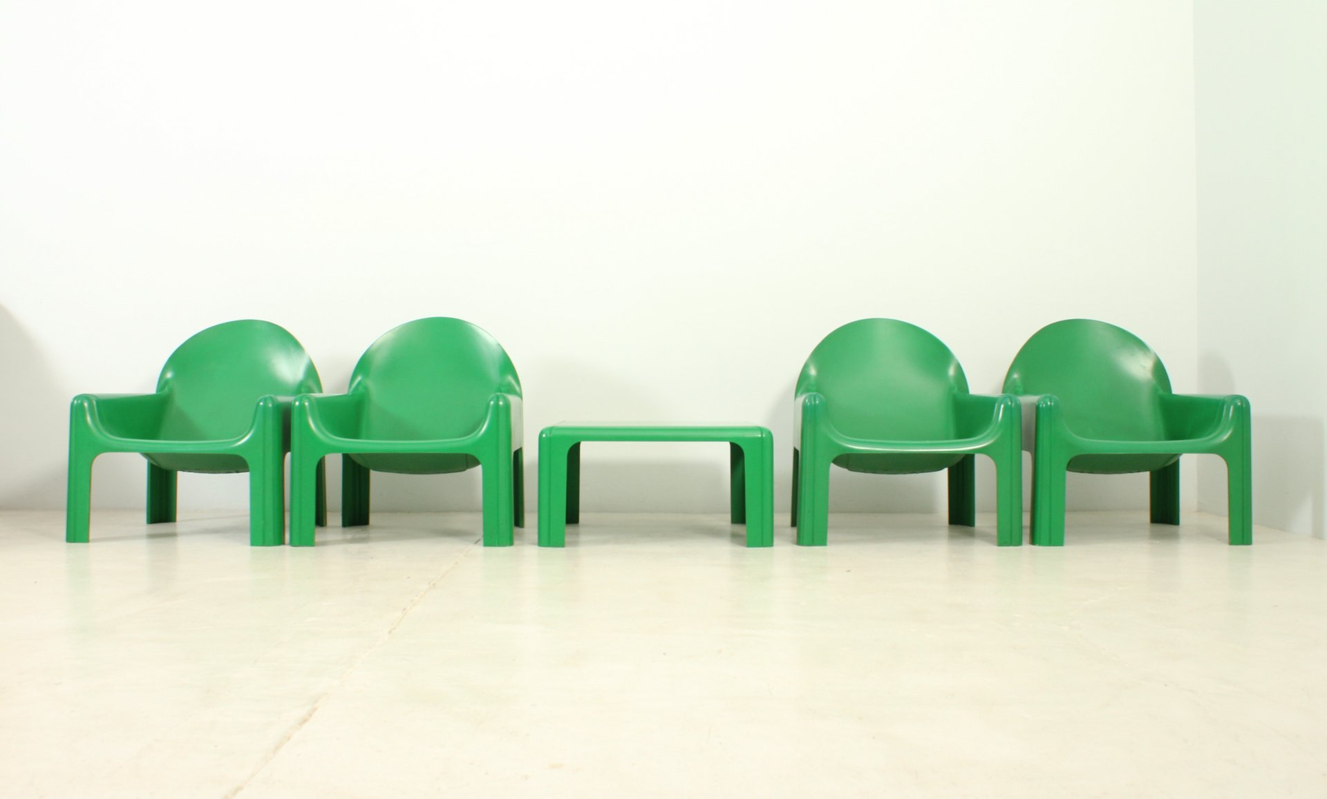 Vintage Seating Group by Gae Aulenti for Kartell for sale at Pamono