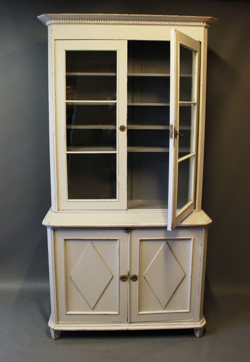 gro er schrank 1810er bei pamono kaufen. Black Bedroom Furniture Sets. Home Design Ideas