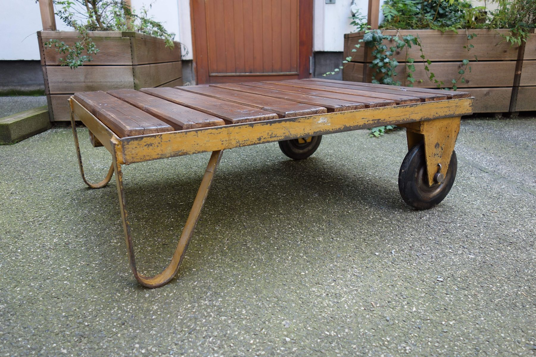 Industrial Coffee Table 1930s for sale at Pamono