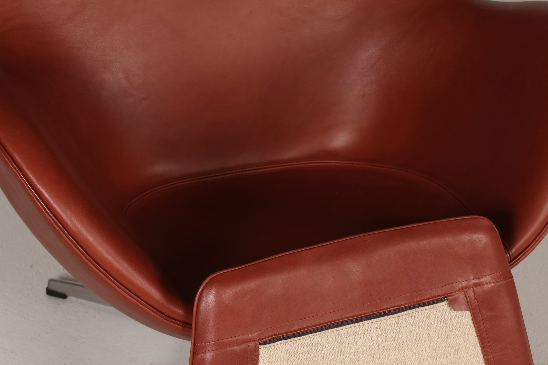 3316 cognac leather egg chair by arne jacobsen for fritz