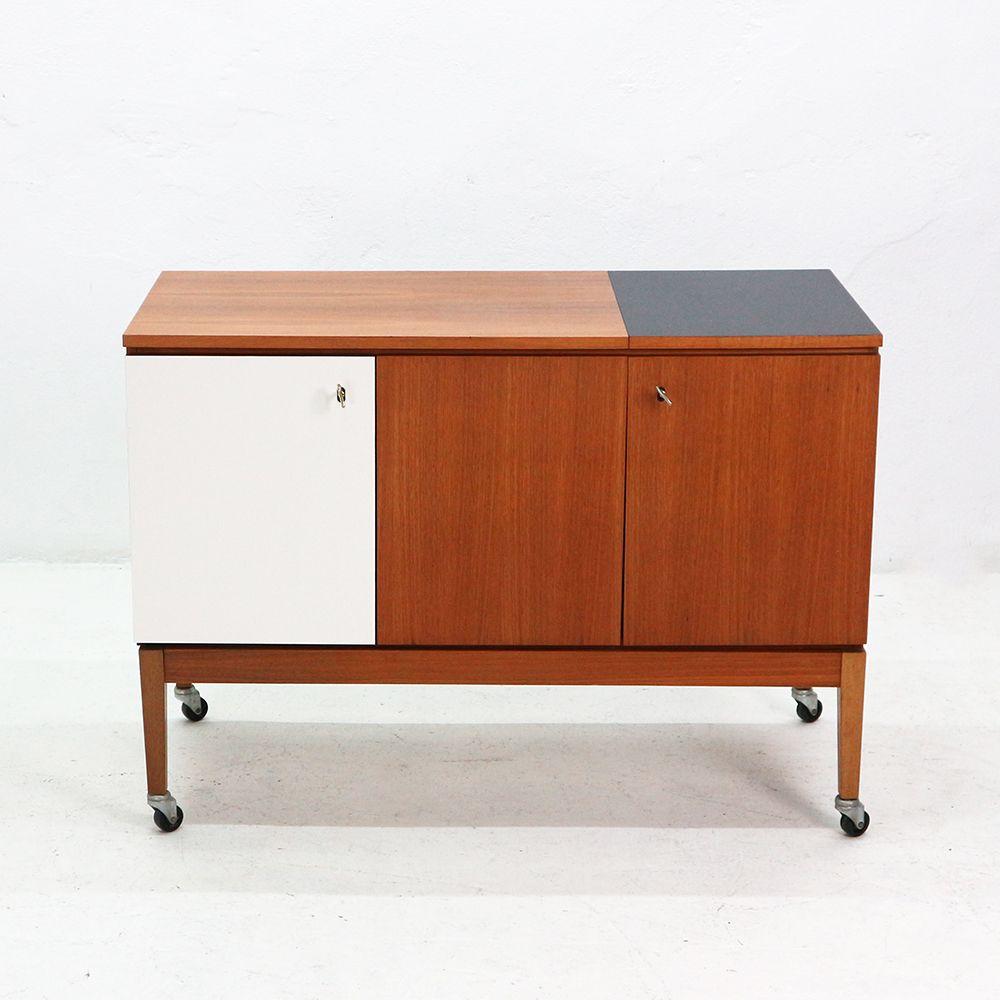 highboard walnuss fazit so finden sie das passende. Black Bedroom Furniture Sets. Home Design Ideas