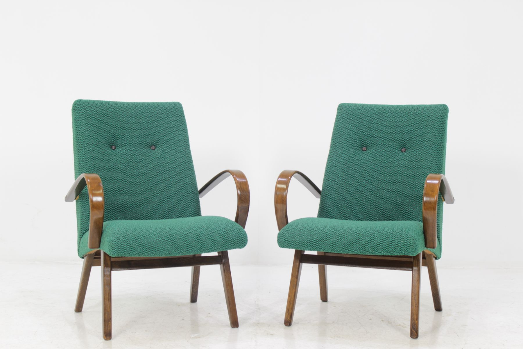 Superior Bentwood Lounge Chair From Ton, 1960s