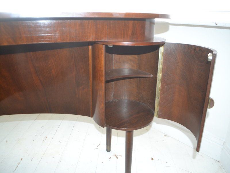 Vintage danish walnut kidney desk for sale at pamono for Kidney desk for sale