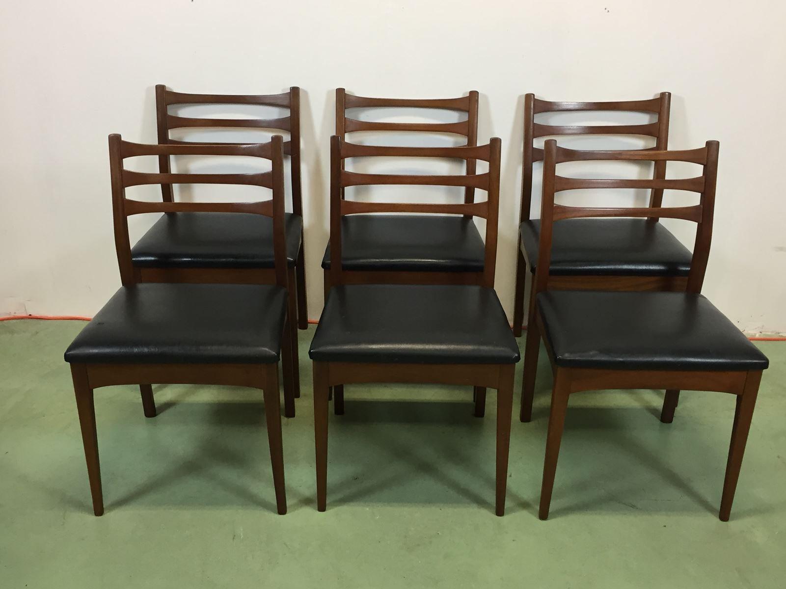 vintage st hle aus kunstleder und teak 6er set bei pamono. Black Bedroom Furniture Sets. Home Design Ideas