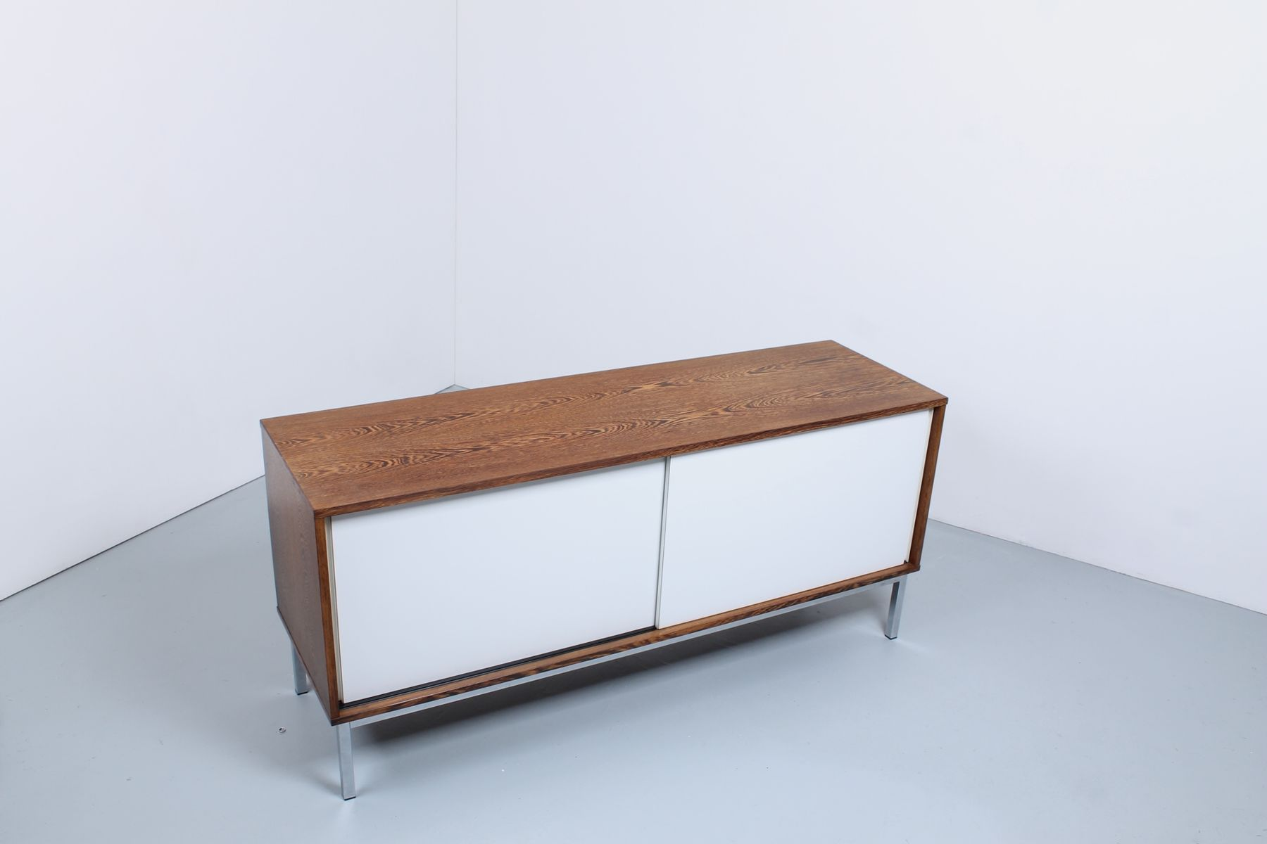 Vintage kw 87 sideboard in wenge veneer and white formica for Kommode wenge