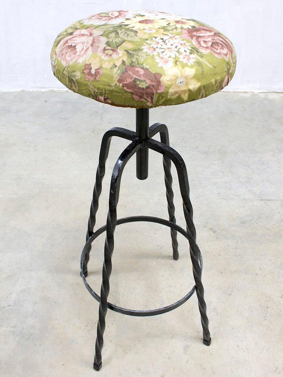 Florale industrielle vintage barhocker 4er set bei pamono for Barhocker englisch