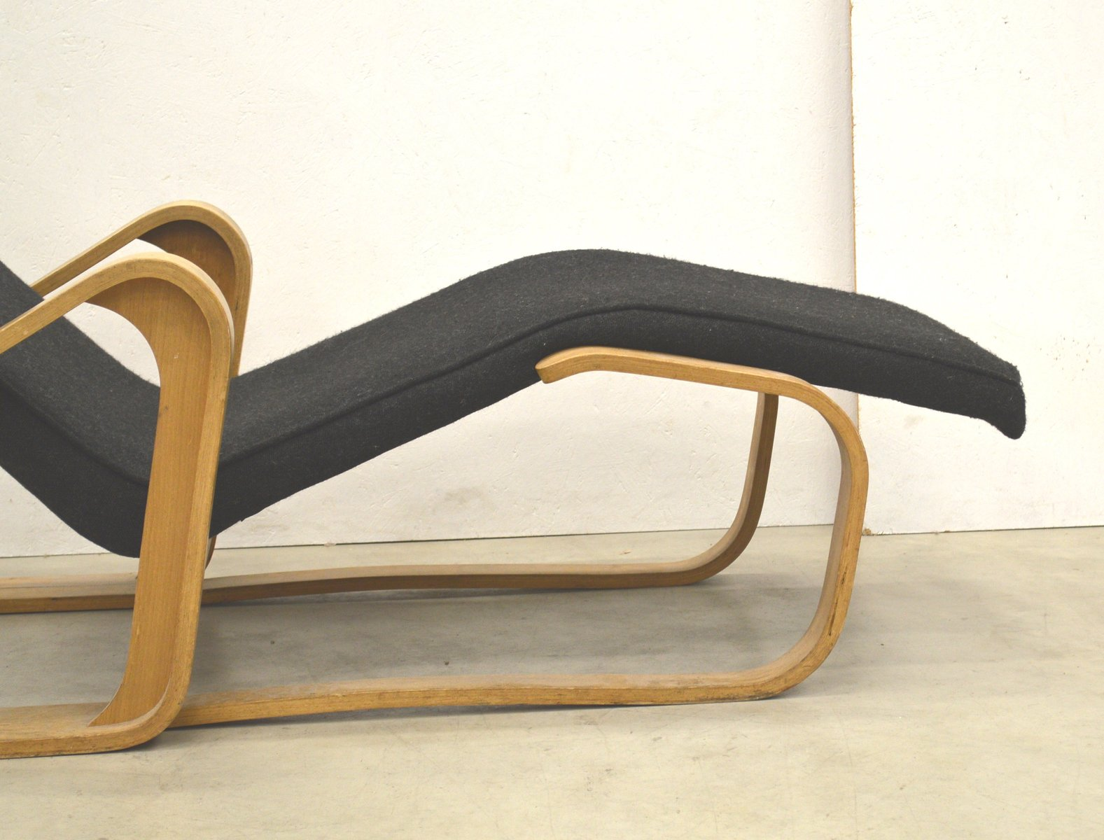 Birch chaise longue by marcel breuer for isokon 1950s for for Chaise longue for sale uk
