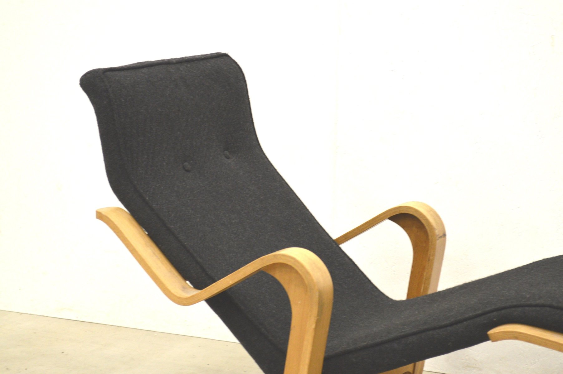 Birch chaise longue by marcel breuer for isokon 1950s for for Chaise longues for sale uk