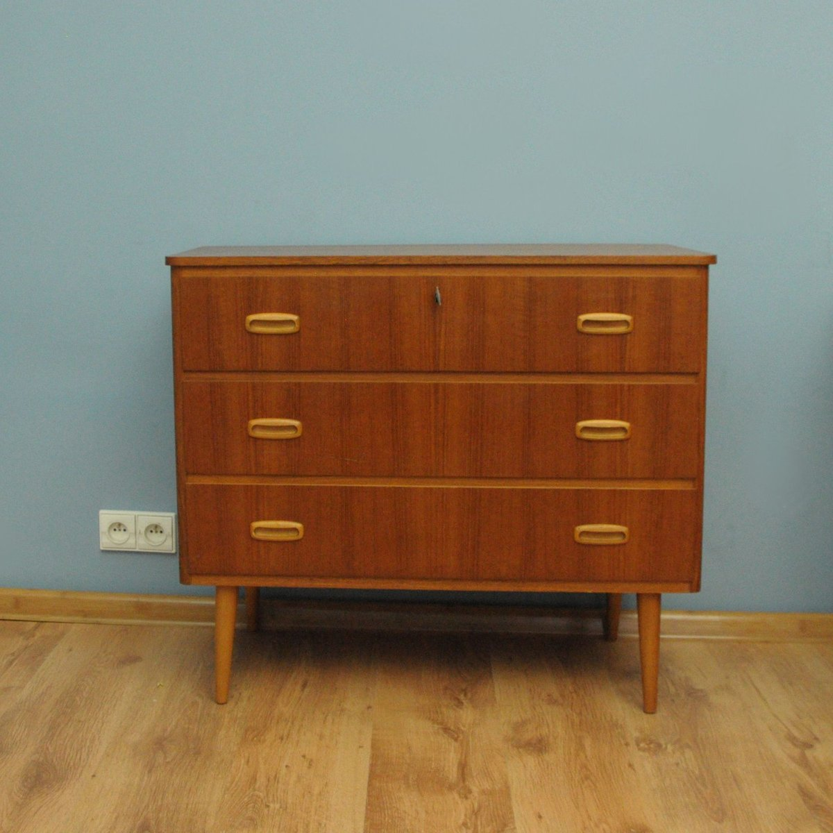 d nische kommode aus teak 1960er bei pamono kaufen. Black Bedroom Furniture Sets. Home Design Ideas