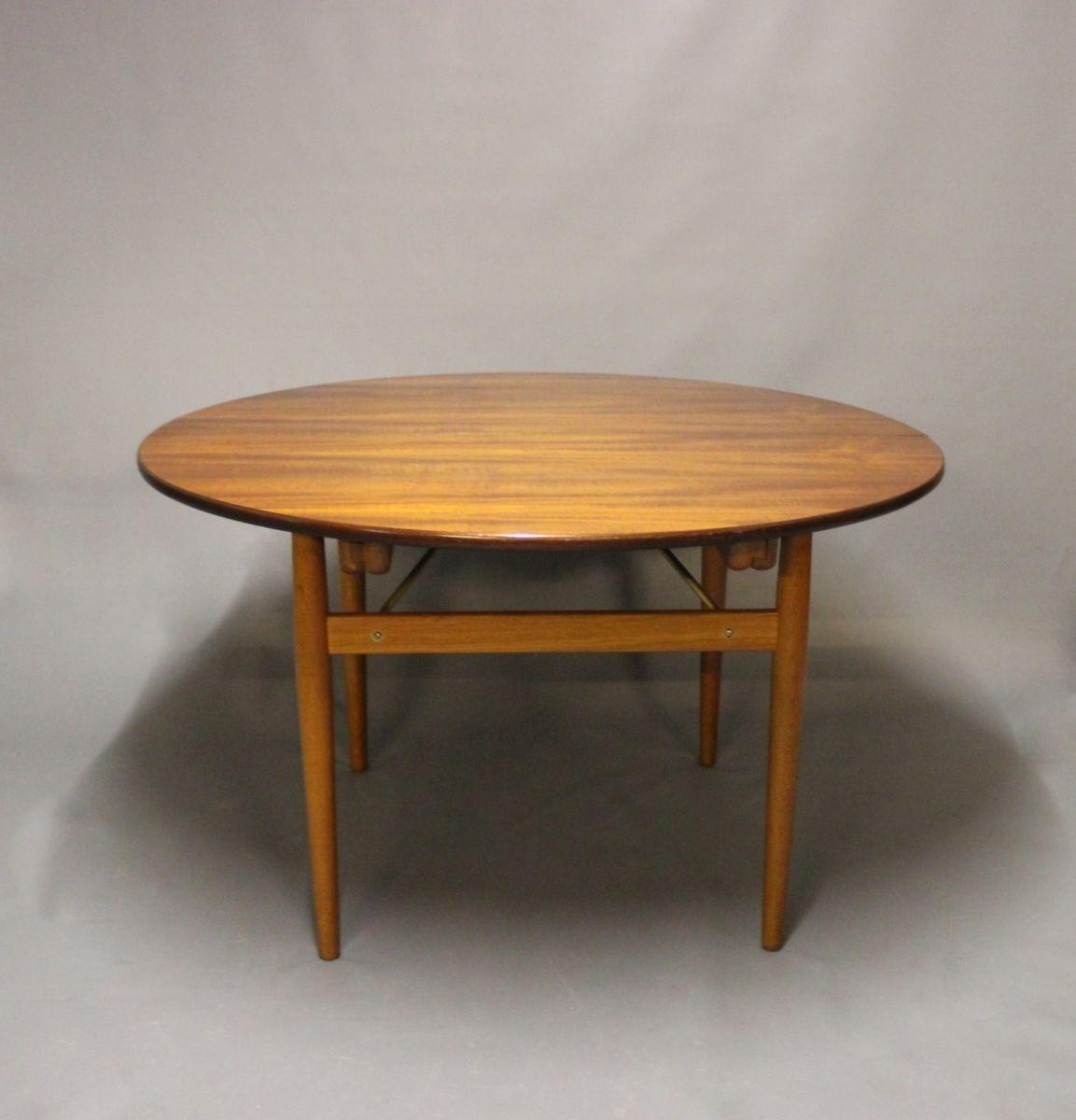 runder teak und eichenholz tisch mit verl ngerungen von hans j wegner 1960er bei pamono kaufen. Black Bedroom Furniture Sets. Home Design Ideas