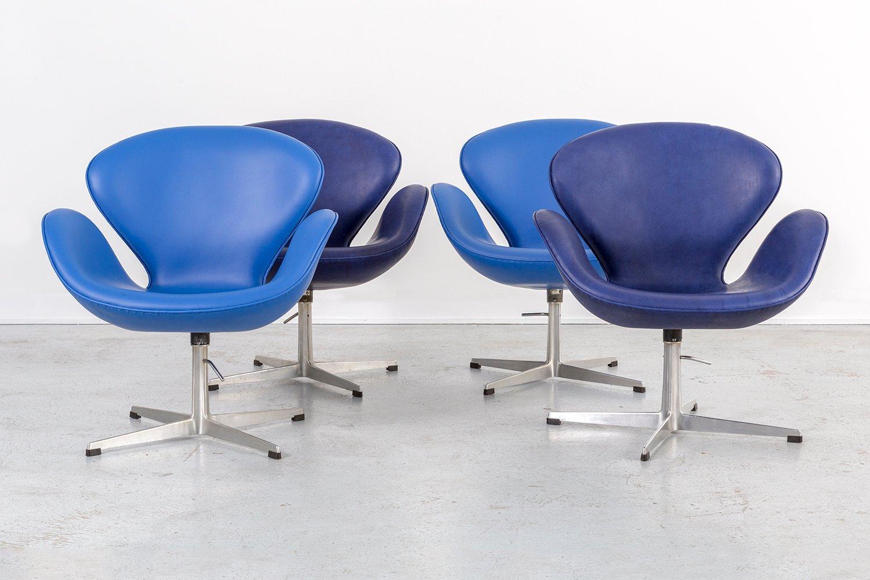 Swan chair jacobsen - Mid Century Swan Chairs By Arne Jacobsen For Fritz Hansen Set Of 4