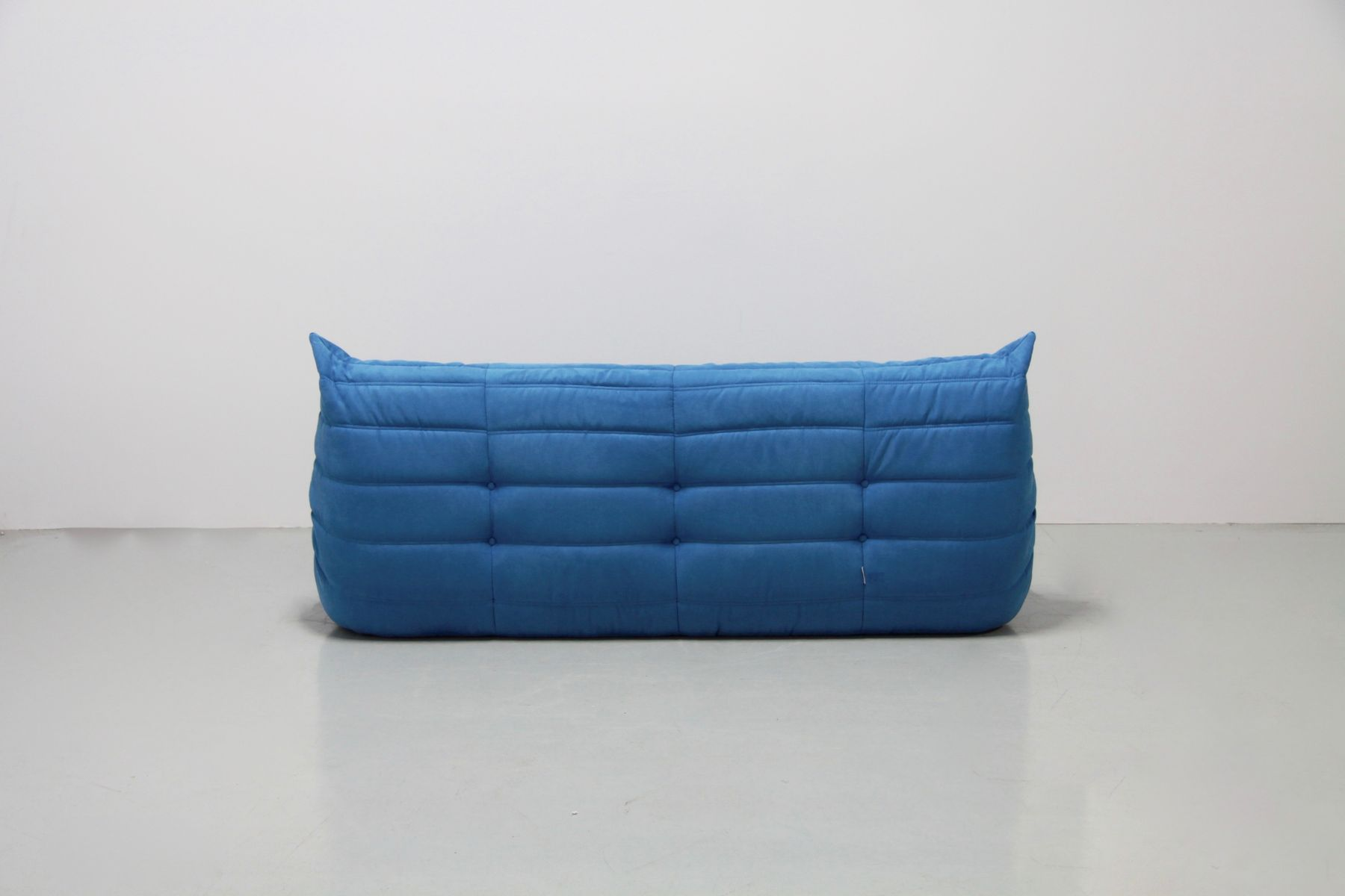 vintage turquoise togo set by michel ducaroy for ligne. Black Bedroom Furniture Sets. Home Design Ideas