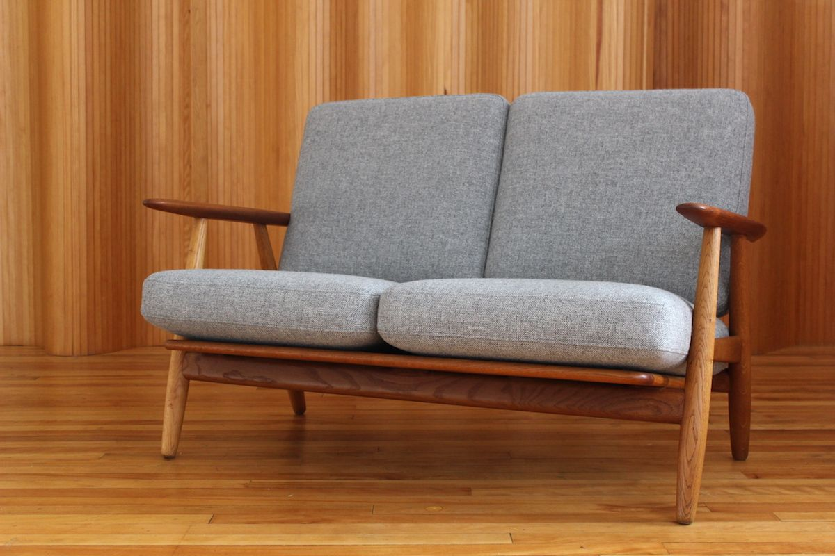 ge240 2 oak and teak cigar sofa by hans wegner for getama 1955 for sale at pamono. Black Bedroom Furniture Sets. Home Design Ideas
