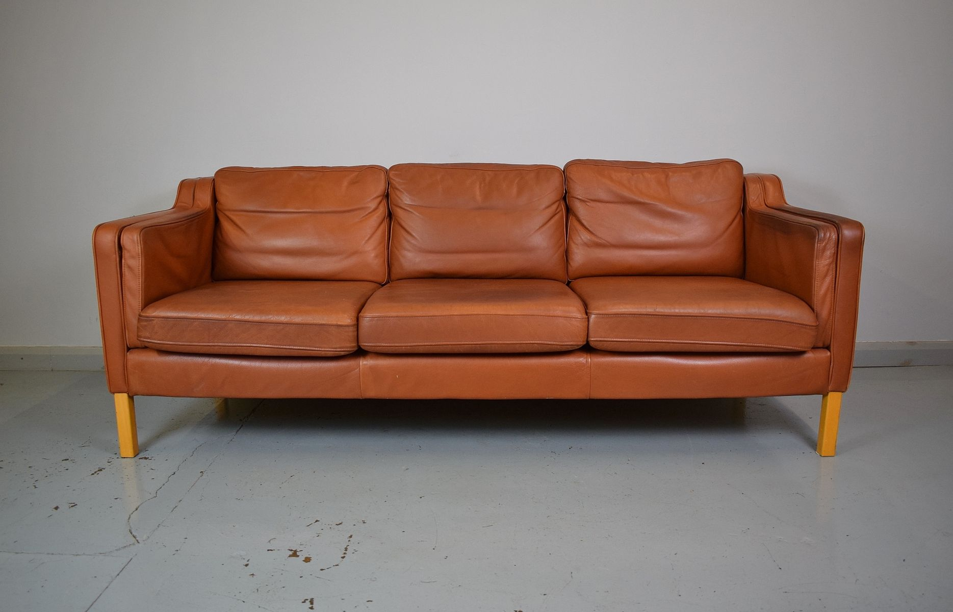 Tan brown leather 3 seater sofa by georg thams for vejen for Tan couches for sale
