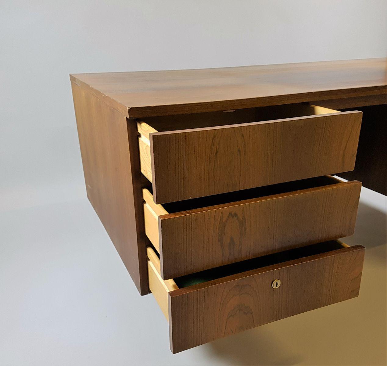 gro er schreibtisch 1970er bei pamono kaufen. Black Bedroom Furniture Sets. Home Design Ideas