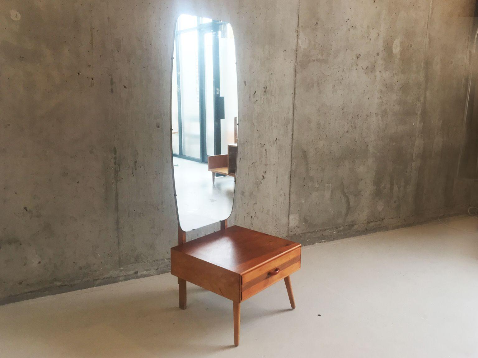 deckenhoher mid century spiegel mit frisierkommode 1960er. Black Bedroom Furniture Sets. Home Design Ideas