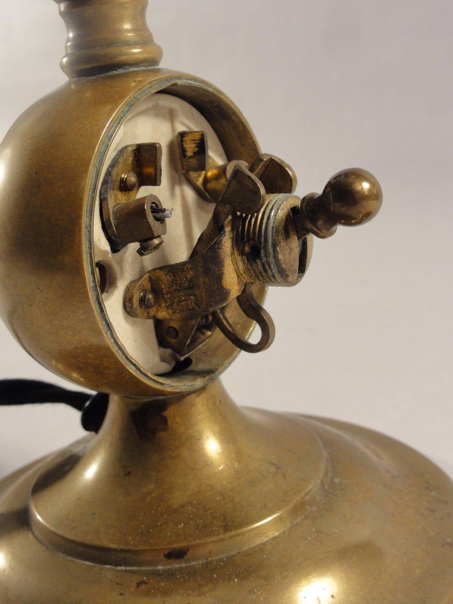 jugendstil messing tischlampe 1890er bei pamono kaufen. Black Bedroom Furniture Sets. Home Design Ideas