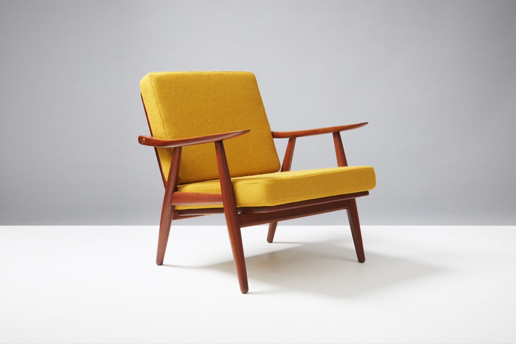 Ge 270 teak lounge chair by hans wegner for getama 1950s for Hans wegner queen chair