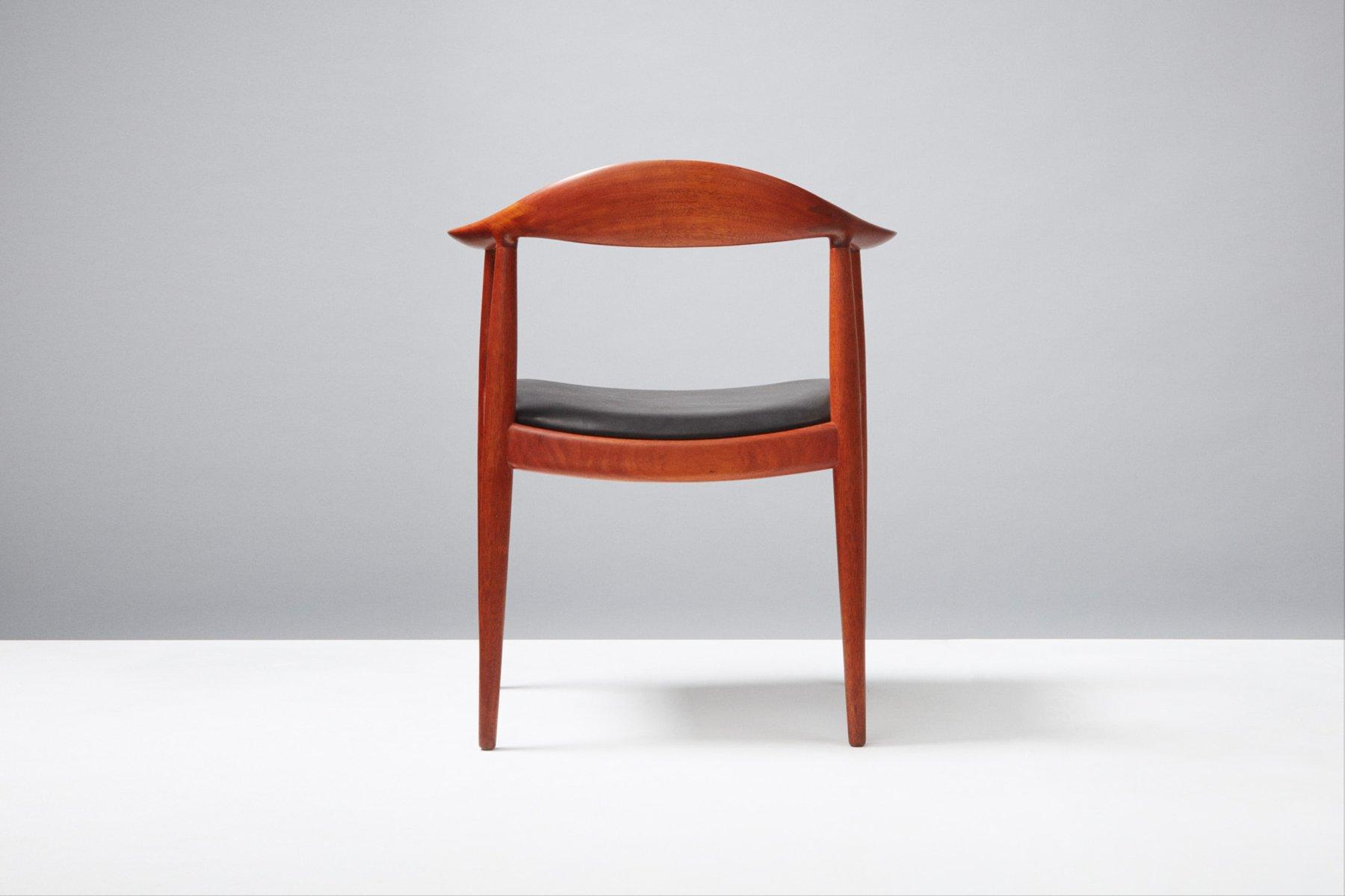jh 503 schreibtischstuhl aus mahagoni und leder von hans. Black Bedroom Furniture Sets. Home Design Ideas