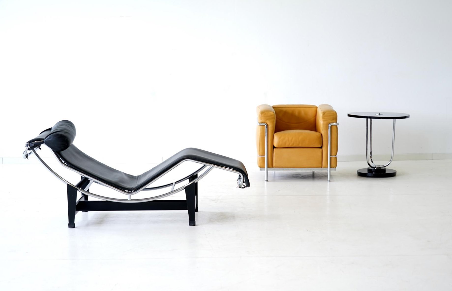 lc4 lounge chair by le corbusier for cassina 1960s for. Black Bedroom Furniture Sets. Home Design Ideas