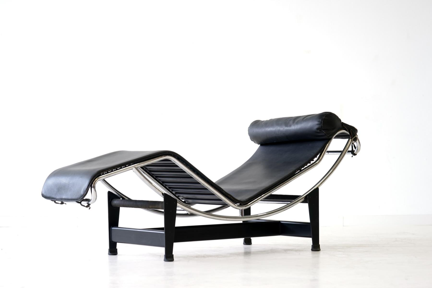 lc4 liege von le corbusier f r cassina 1960er bei pamono. Black Bedroom Furniture Sets. Home Design Ideas