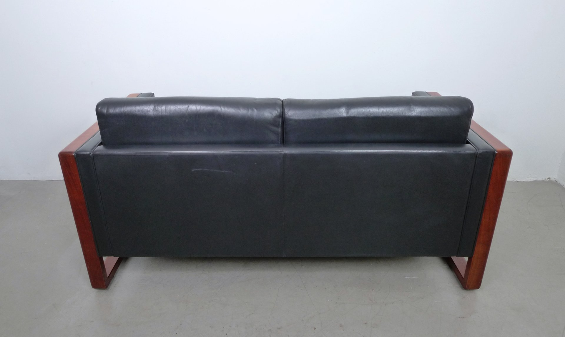 2 seater leather sofa from walter knoll 1960s for sale at. Black Bedroom Furniture Sets. Home Design Ideas