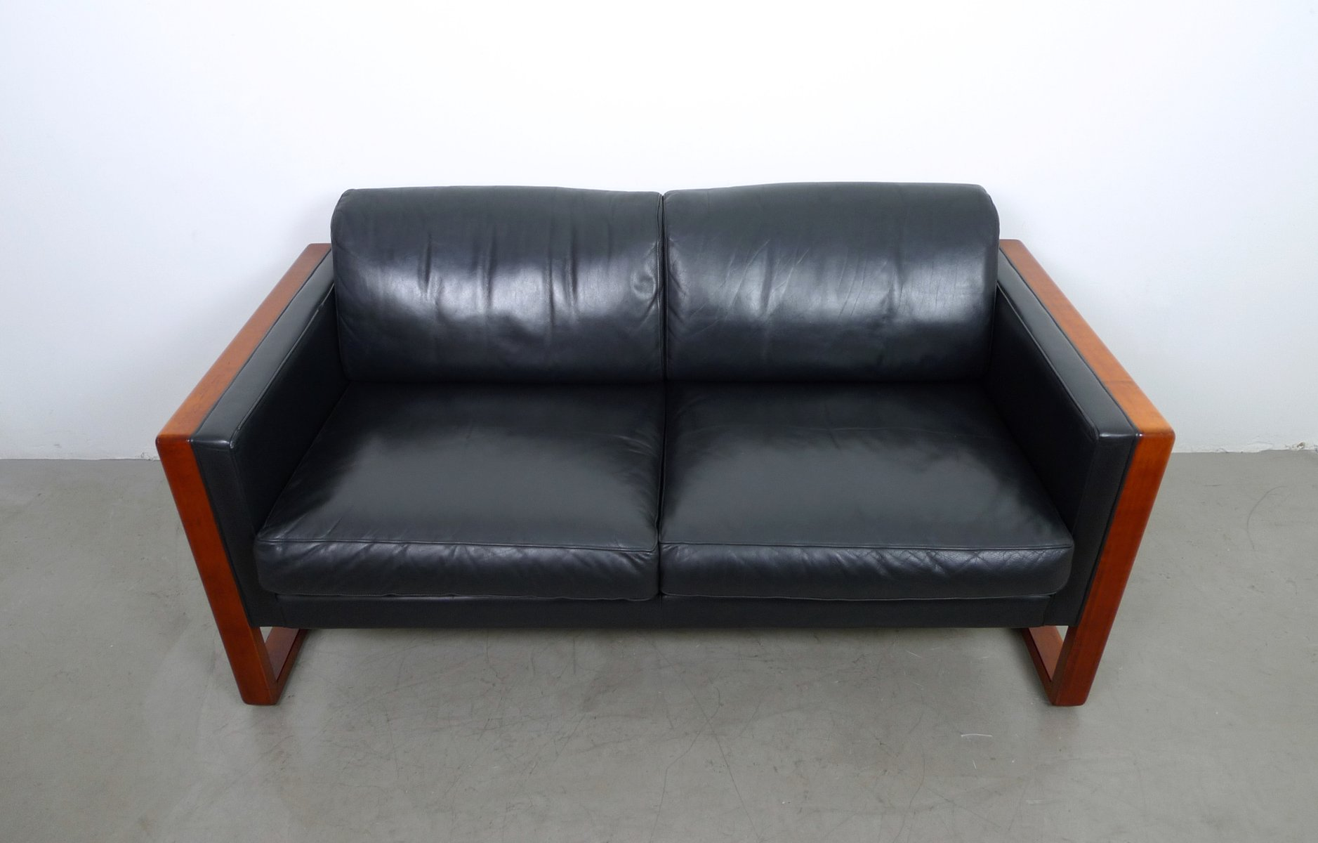 2 Seater Leather Sofa from Walter Knoll 1960s for sale at  : 2 seater leather sofa from walter knoll 1960s 3 from www.pamono.co.uk size 1877 x 1200 jpeg 90kB
