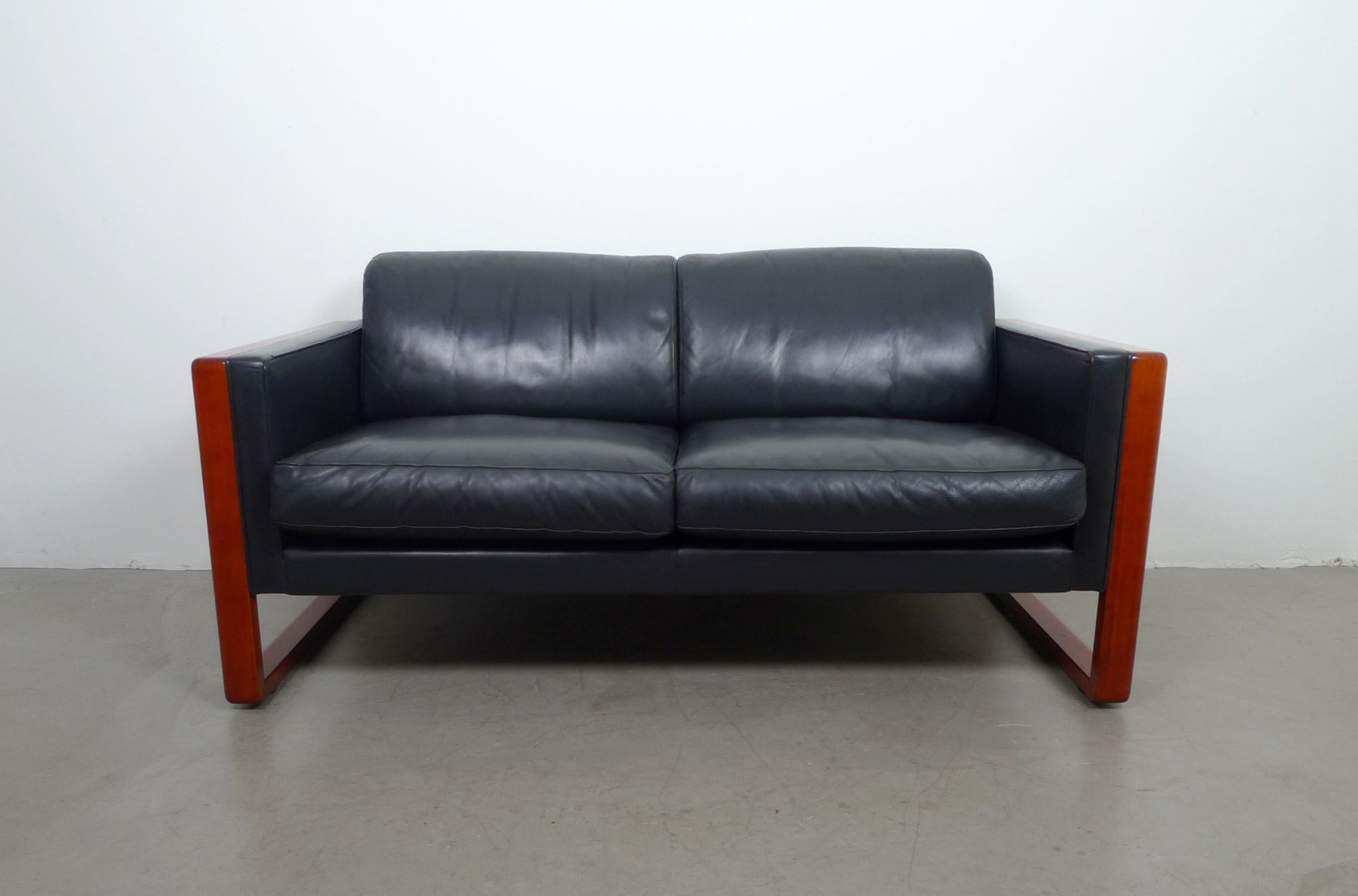 2 seater leather sofa from walter knoll 1960s for sale at pamono 2 seater leather sofa from walter knoll 1960s parisarafo Gallery