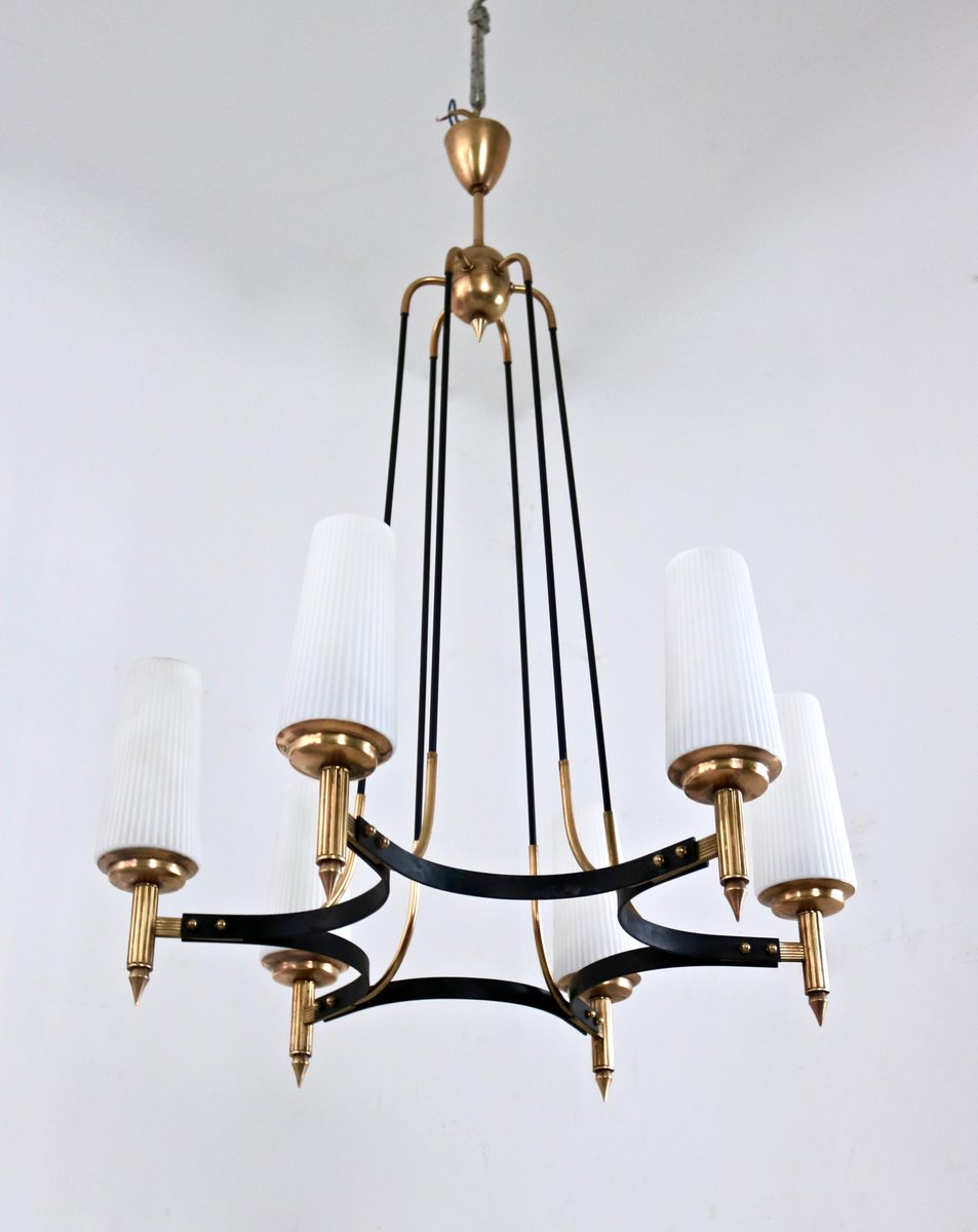 chandelier en verre opalin laiton par stilnovo 1950s en vente sur pamono. Black Bedroom Furniture Sets. Home Design Ideas