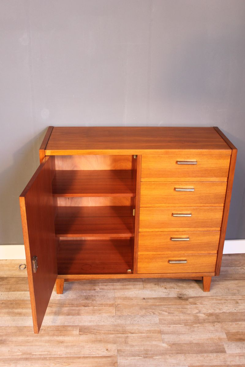kleines teak sideboard von musterring international. Black Bedroom Furniture Sets. Home Design Ideas