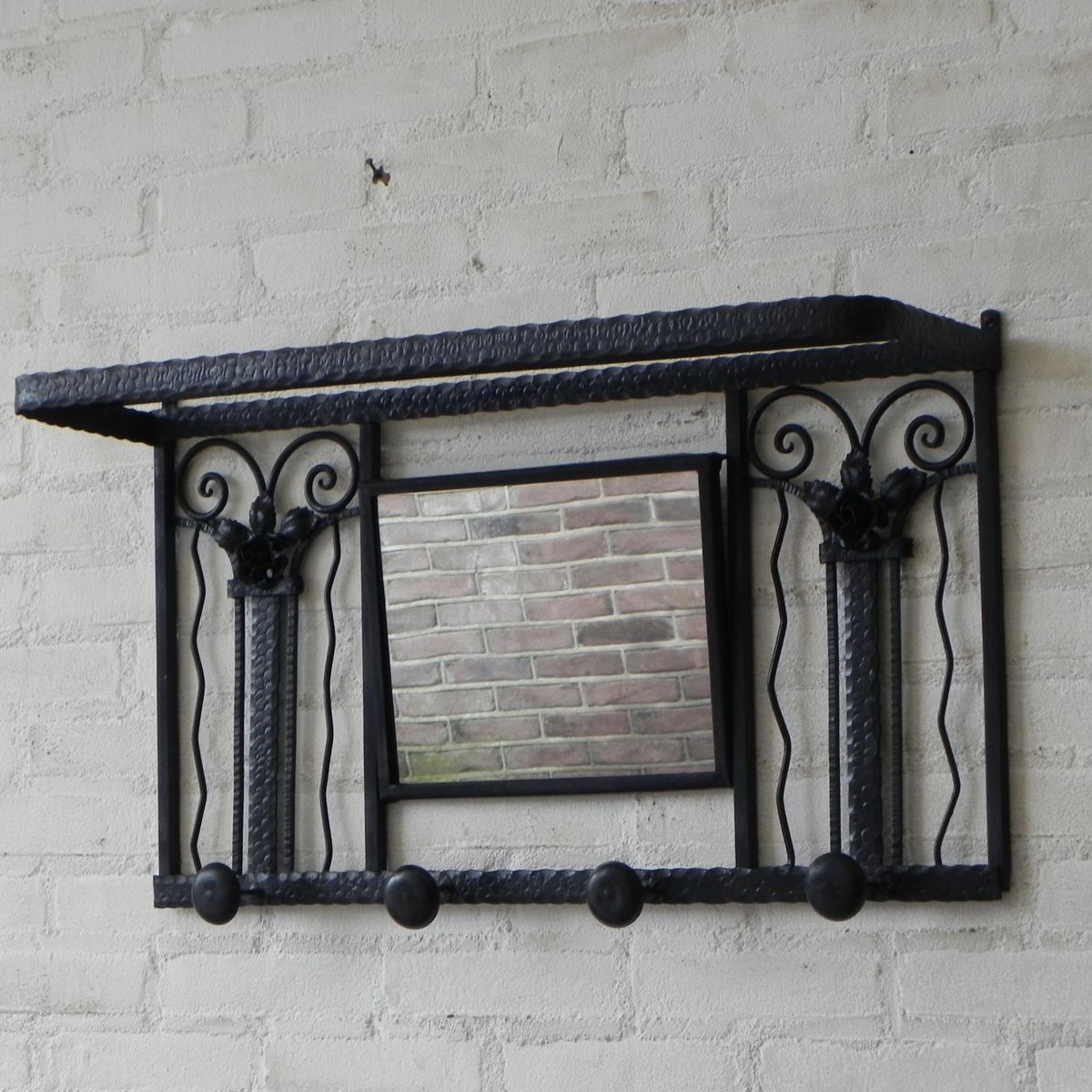 art deco kleiderst nder aus stahl mit spiegel 1930er bei. Black Bedroom Furniture Sets. Home Design Ideas