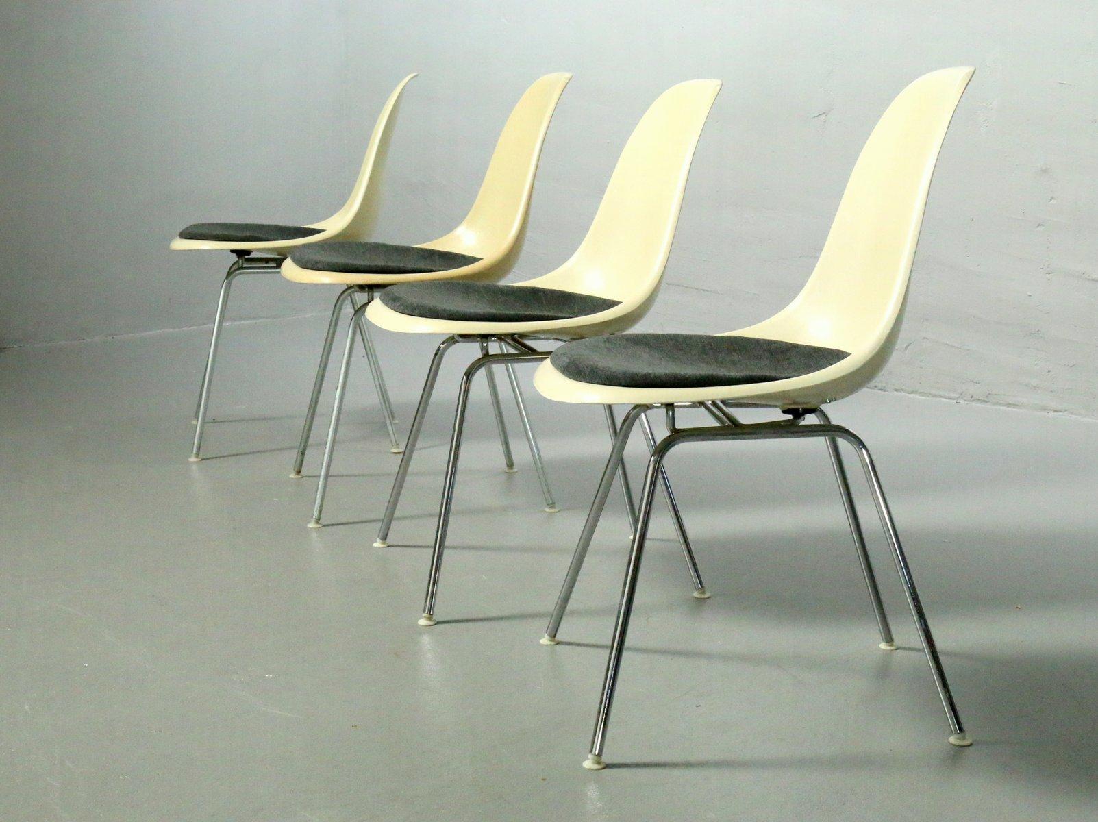 fiberglas st hle mit h gestellen von charles ray eames. Black Bedroom Furniture Sets. Home Design Ideas
