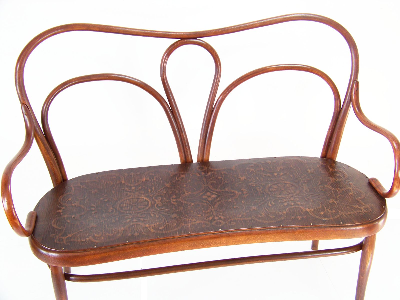 Antique Nr 18 Sofa from Thonet for sale at Pamono
