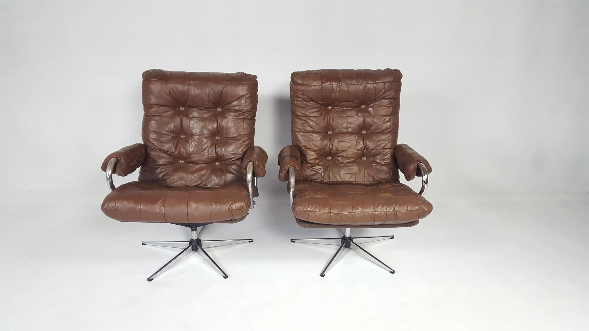 Vintage Leather Swivel Chair Set of 2 for sale at Pamono
